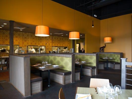 ROC 1010 Restreview Papaya Asian Kitchen & Bar I 100714.jpg
