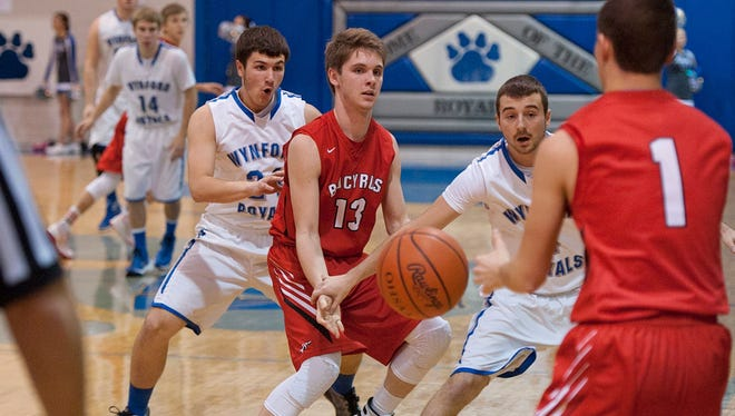 Wynford seniors Alex Crall (left) and Braxton Tea (right) are a set of hardwood friends who have the Royals peaking at the right time.