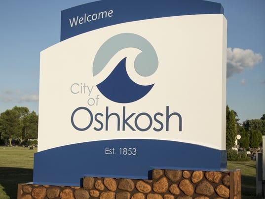 636057256130146136-Oshkosh-Sign-Algoma-Blvd-Day-2016-HD.jpg