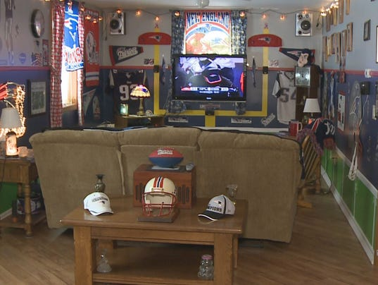 Man Cave Show Rosedale : Patriots fan shows off man cave