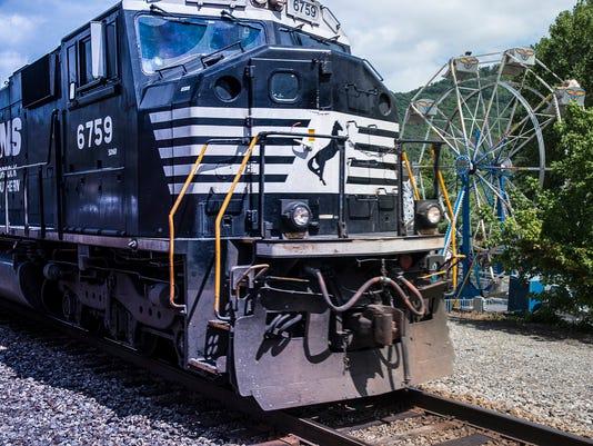 BMN 092117 Train conference