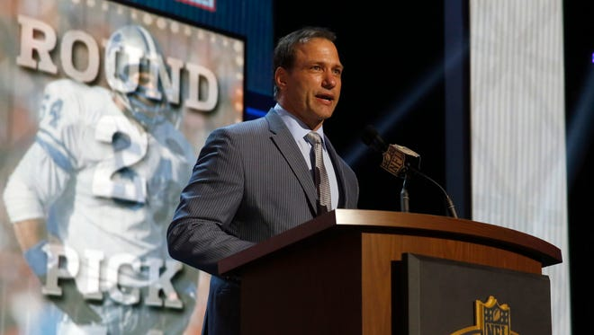 Former Detroit Lions player Chris Spielman announces that the Detroit Lions selects Nebraska running back Ameer Abdullah-as the 54th pick in the second round of the 2015 NFL Football Draft,  Friday, May 1, 2015, in Chicago.