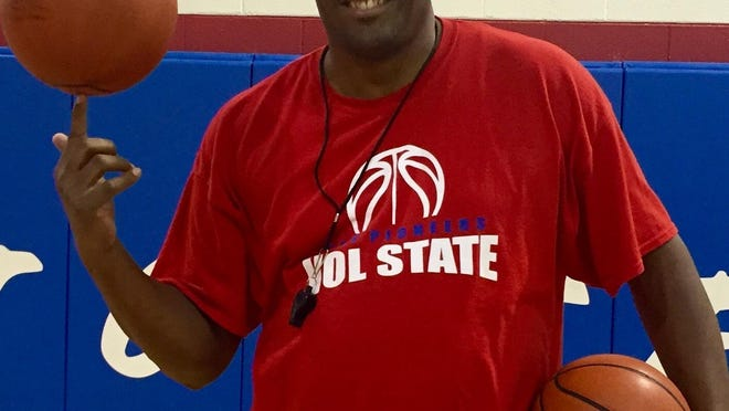 Former Harlem Globetrotter Otis Key is in his second year as the women's coach at Volunteer State.