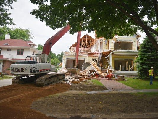 636639688388868717-McKennan-Park-house-demolished-003.JPG