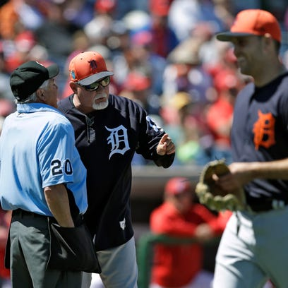 Detroit Tigers manager Ron Gardenhire argues with home