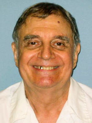 Alabama inmate Tommy Arthur lost his bid to choose a firing squad over lethal injection Tuesday.