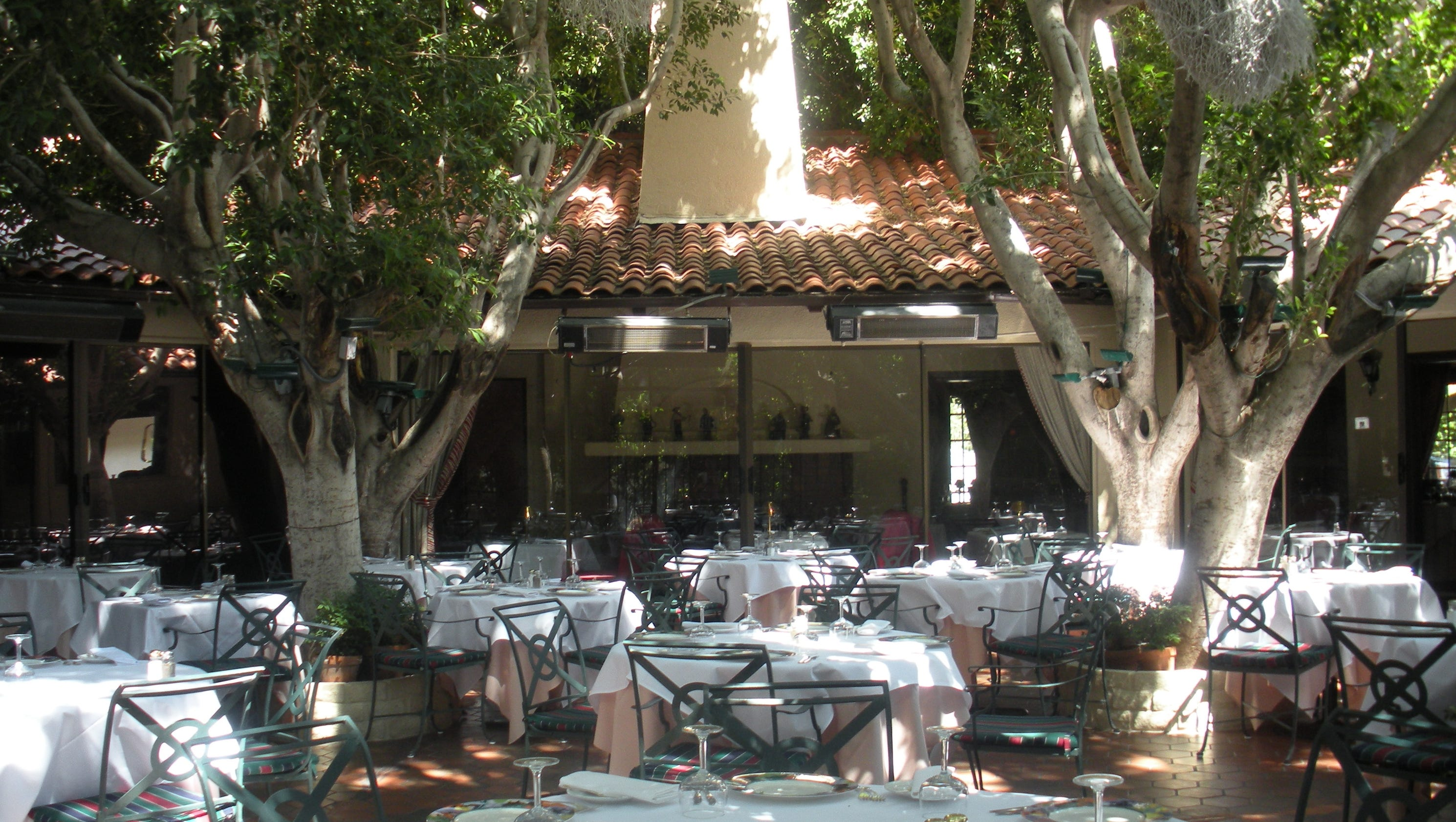 French tourism on the rise in palm springs - Le patio restaurant montreuil sur mer ...