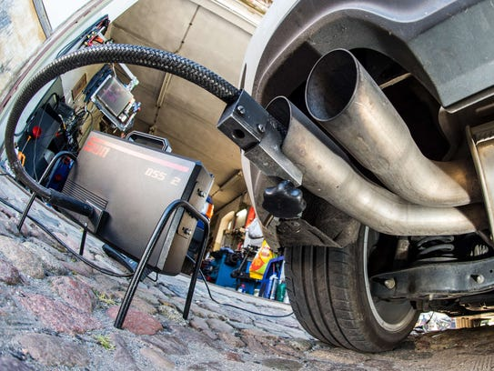 A measuring hose for emissions inspections in diesel