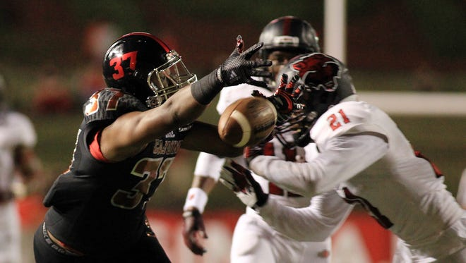 UL tight end Matt Barnes (37) was targeted on this pass in a 2014 game against Arkansas State at Cajun Field.