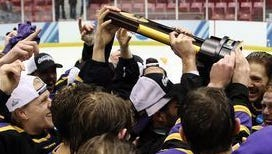 The UWSP men's hockey passed out its team awards on April 8.