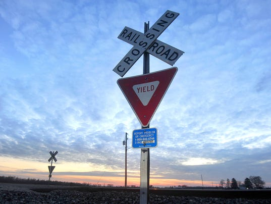 Railroad-crossing.jpg