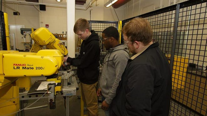 HCC Industrial Technology students.