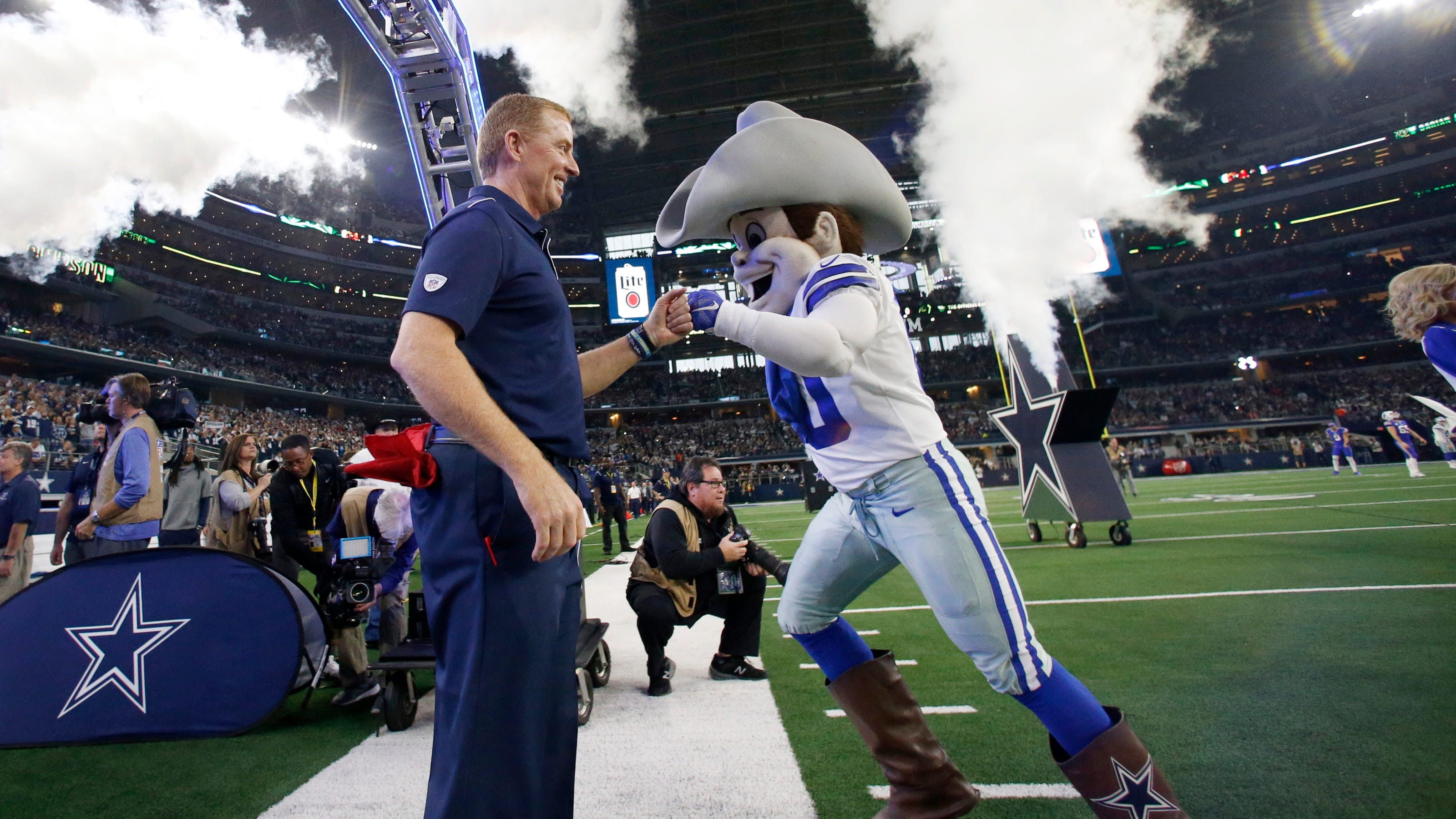 Tonight's Cowboys-Bears TNF game could be one beautiful mess