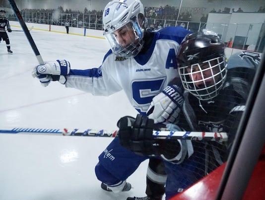 CPply-slmhockey1220-2