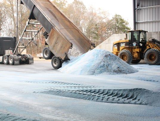 635832832843742318-Salt-Delivery