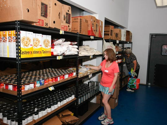 636064314920155369-food-shelf.jpg