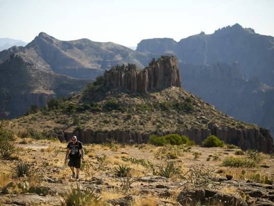 Best Hikes Valley - Siphon Draw Trail and Flatiron in Superstition Mountains