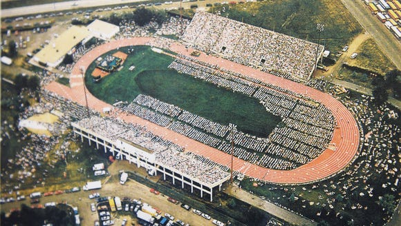Famed evangelist Billy Graham brought his crusade to Sioux Falls in the summer of 1987, drawing record crowds of 24,000 and 25,000 to Howard Wood Field.