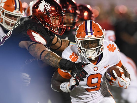 Clemson running back Travis Etienne (9) during the