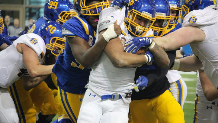 Playmakers emerge at South Dakota State spring game