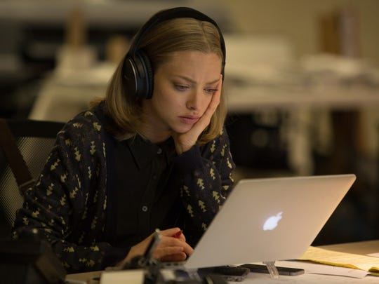 """In """"The Last Word,"""" newspaper reporter Anne (Amanda Seyfried) is tasked with writing the obituary of a rather unlikable woman."""