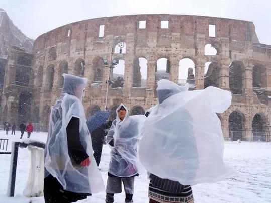 ITALY-WEATHER-ROME-SNOW
