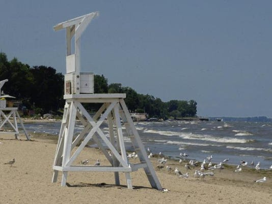 beachclosed-algeaatontariobeachpark.jpg
