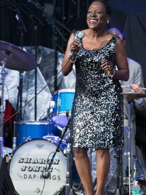 Sharon Jones performing in 2016.