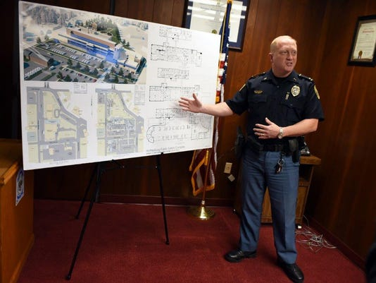 636268436139690995-HATBrd-11-22-2015-American-1-A006--2015-11-21-IMG-HPD-press-conference-1-1-UFCJGECU-L714122384-IMG-HPD-press-conference-1-1-UFCJGECU.jpg
