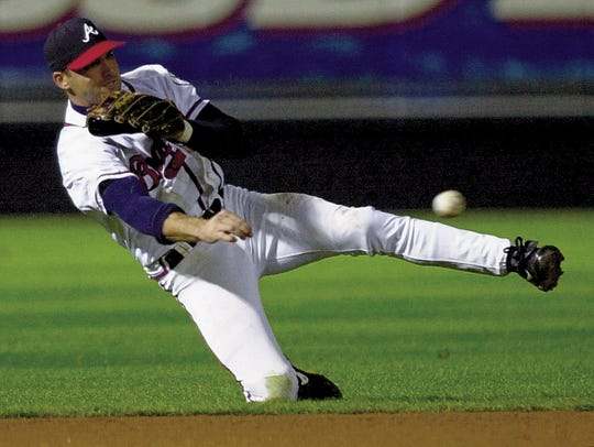 Mark DeRosa with the Braves