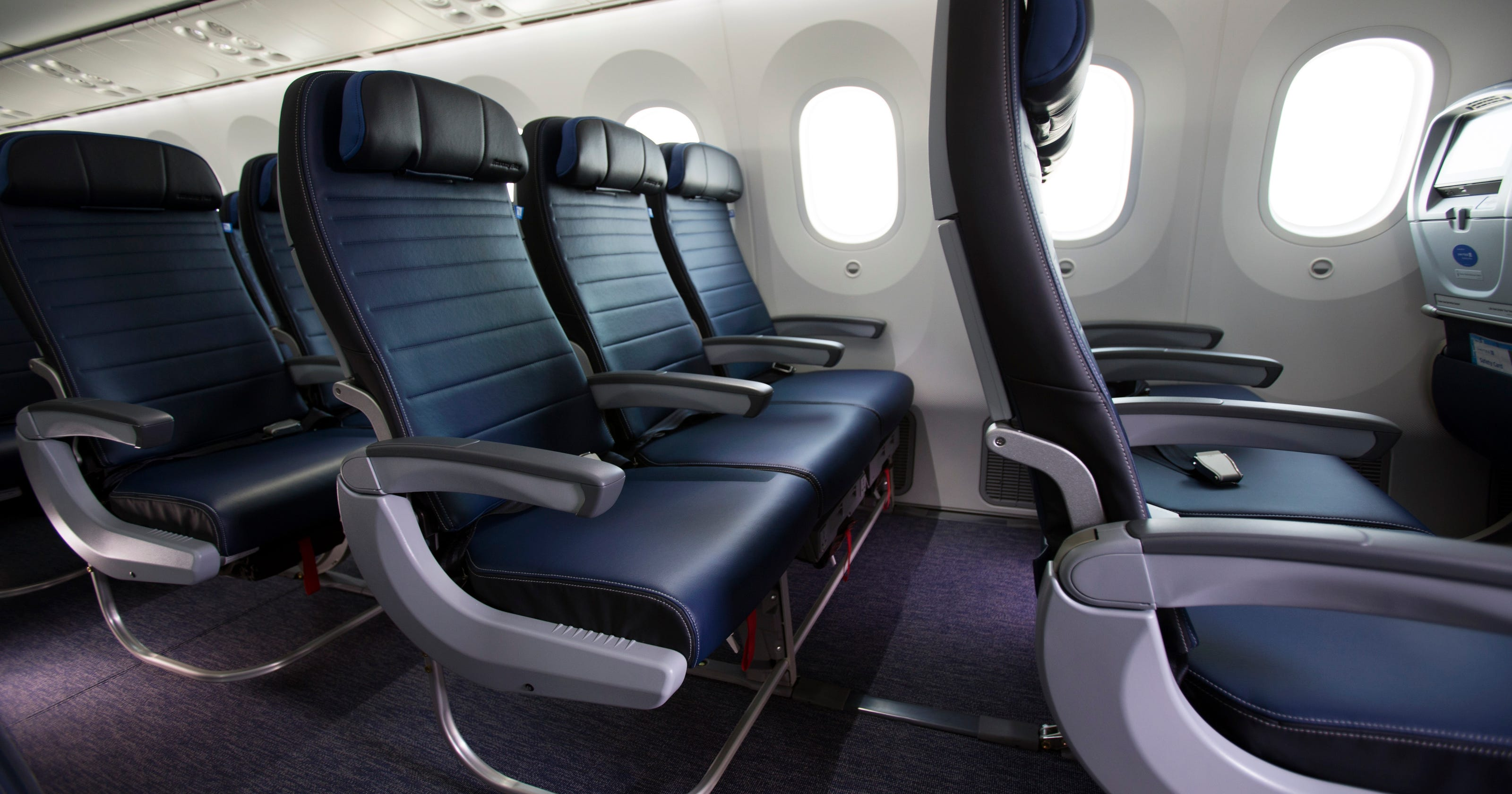 3f671cce9b94 United Airlines adds bundled perks packages to Economy Plus