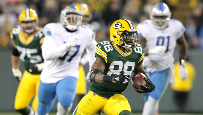 Green Bay Packers running back Ty Montgomery breaks free on a second quarter catch and run against the Detroit Lions on Monday, November 6, 2017, at Lambeau Field in Green Bay, Wis.
