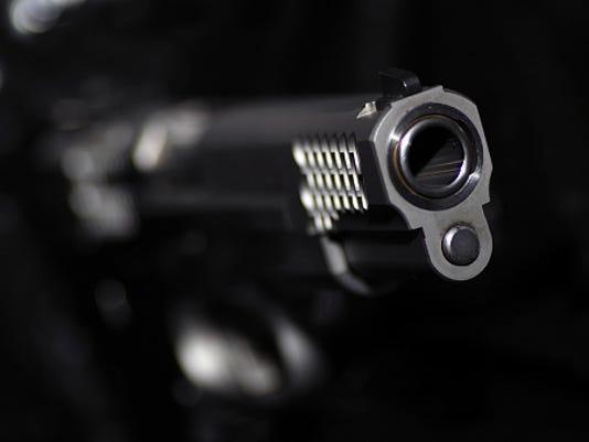STOCKIMAGE-Gun