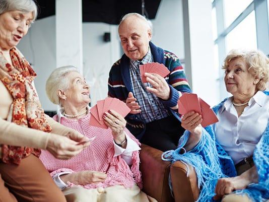 636102382328462593-seniors-playing-cards.jpg