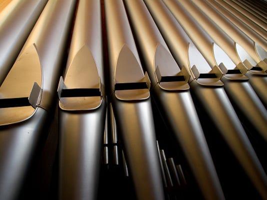 636117787376091133-pipe-organ-pipes.jpg
