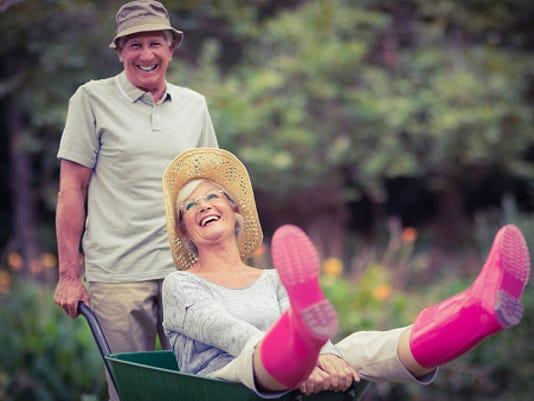 636122510094387922-gardening-seniors.jpg