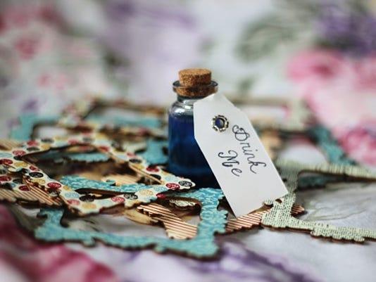 636299259518620390-Alice-in-Wonderland.jpg
