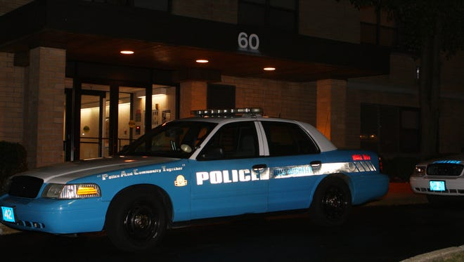 A New Rochelle police officer suffered a minor injury Friday while making an arrest at a Union Avenue apartment complex.