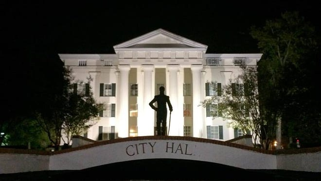 """For several weeks now, the sign in front of the Jackson City Hall has read """"City Hal."""""""