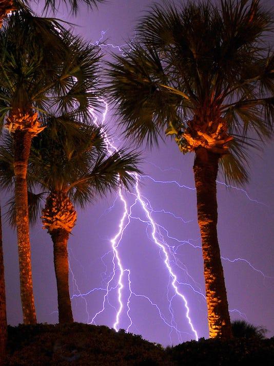 -LIGHTING 6-25-14 COCOA BEACH 5.jpg_20140630.jpg