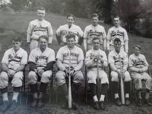 1944 Richmond High School team