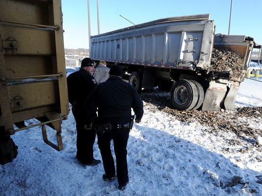 MNJ 0114 Train hits semi in front of AK Steel 01 .jpg