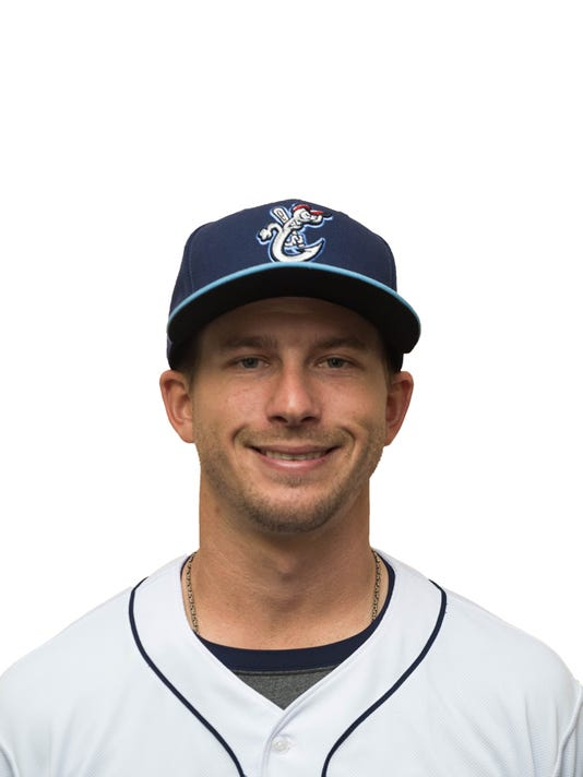 Hooks Kyle Smith.JPG