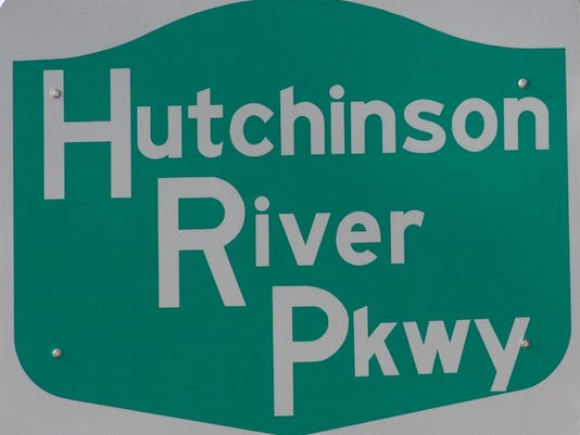 LH Roads: Hutch Parkway sign