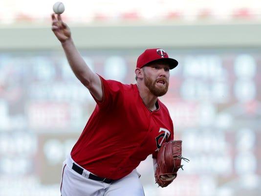 White_Sox_Twins_Baseball_51503.jpg