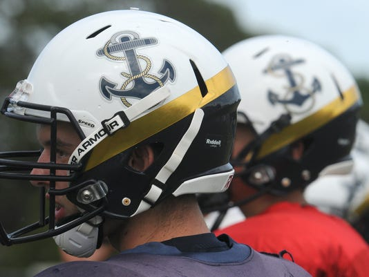 High School Football: Eau Gallie Football Practice