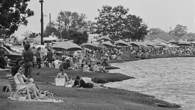 The Austin Aqua Fest in 1972 included folks lining Festival Beach and crowding into Fiesta Gardens.