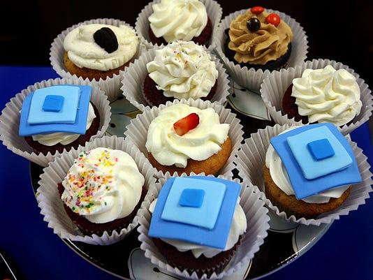 -TLHBrd_11-02-2013_Democrat_1_A006~~2013~11~01~IMG_cupcakes_01.jpg_1_1_5E5IF.jpg