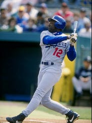 12 Mar 1998:  Outfielder Mike Devereaux of the Los