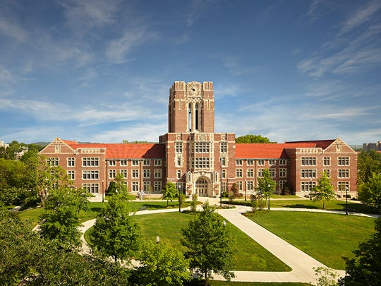 Ayers Hall at the University of Tennessee.